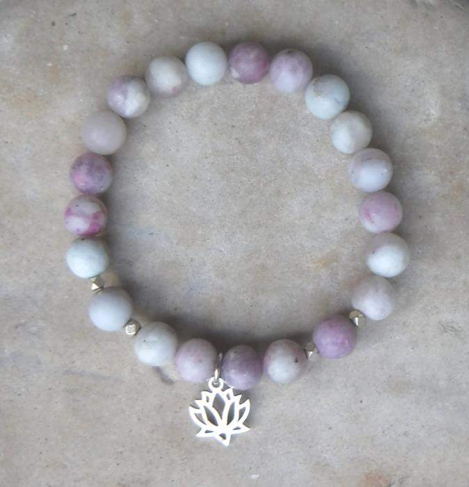 BE FOCUSED: Natural Violet Stone and Lotus Charm