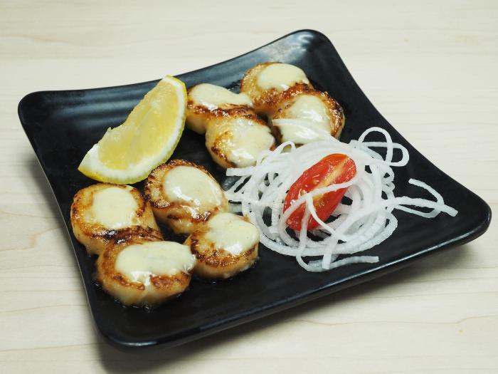 83. Grilled Scallop (4 pcs)