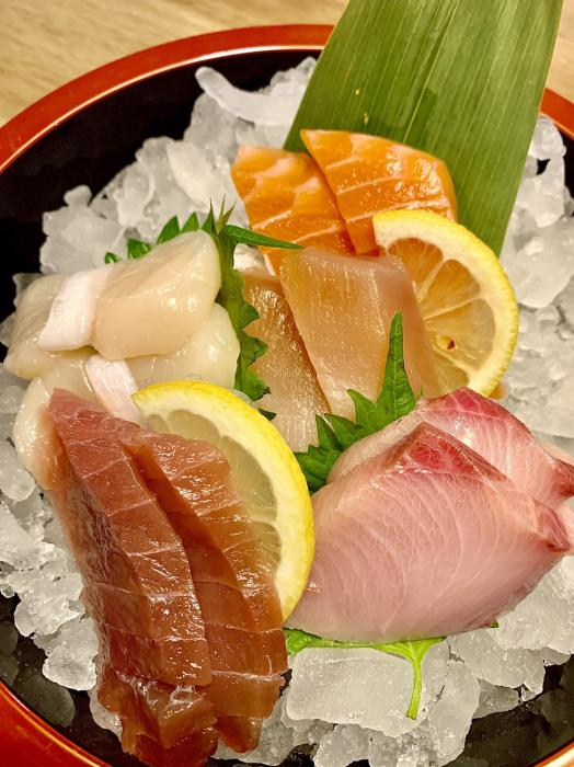 Chef's Choice Sashimi (10pc)