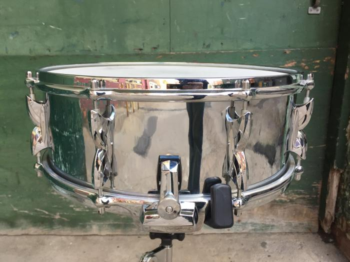 Vintage 70s 2000 Series Chrome 14 x 5