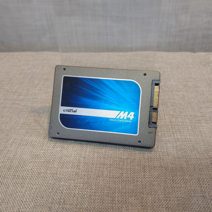 Assorted 2.5'' 120/128 GB SSD